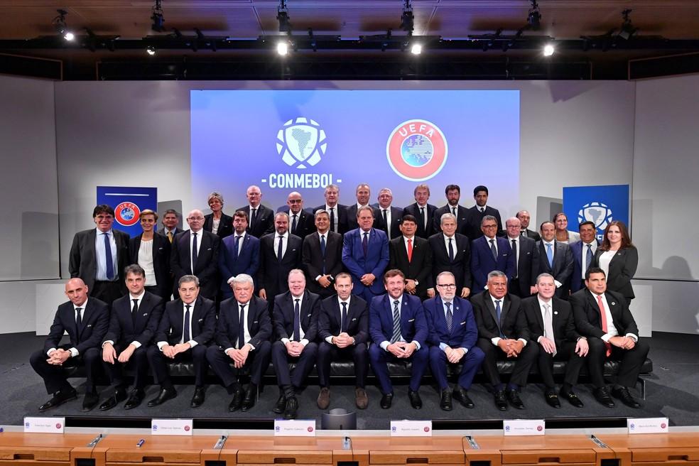 Conselho da Uefa e Comitê Executivo da Conmebol reunidos em Nyon, na Suíça — Foto: Divulgação/Conmebol