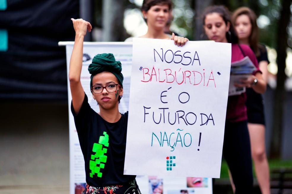 Piracicaba (SP) tem protesto contra bloqueios na educação — Foto: Sidney Júnior/Arquivo pessoal