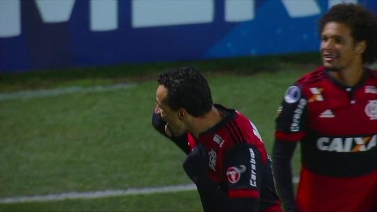 """Beabá com Damião: de letra, atacante do Flamengo marca e leva a """"pintura"""""""