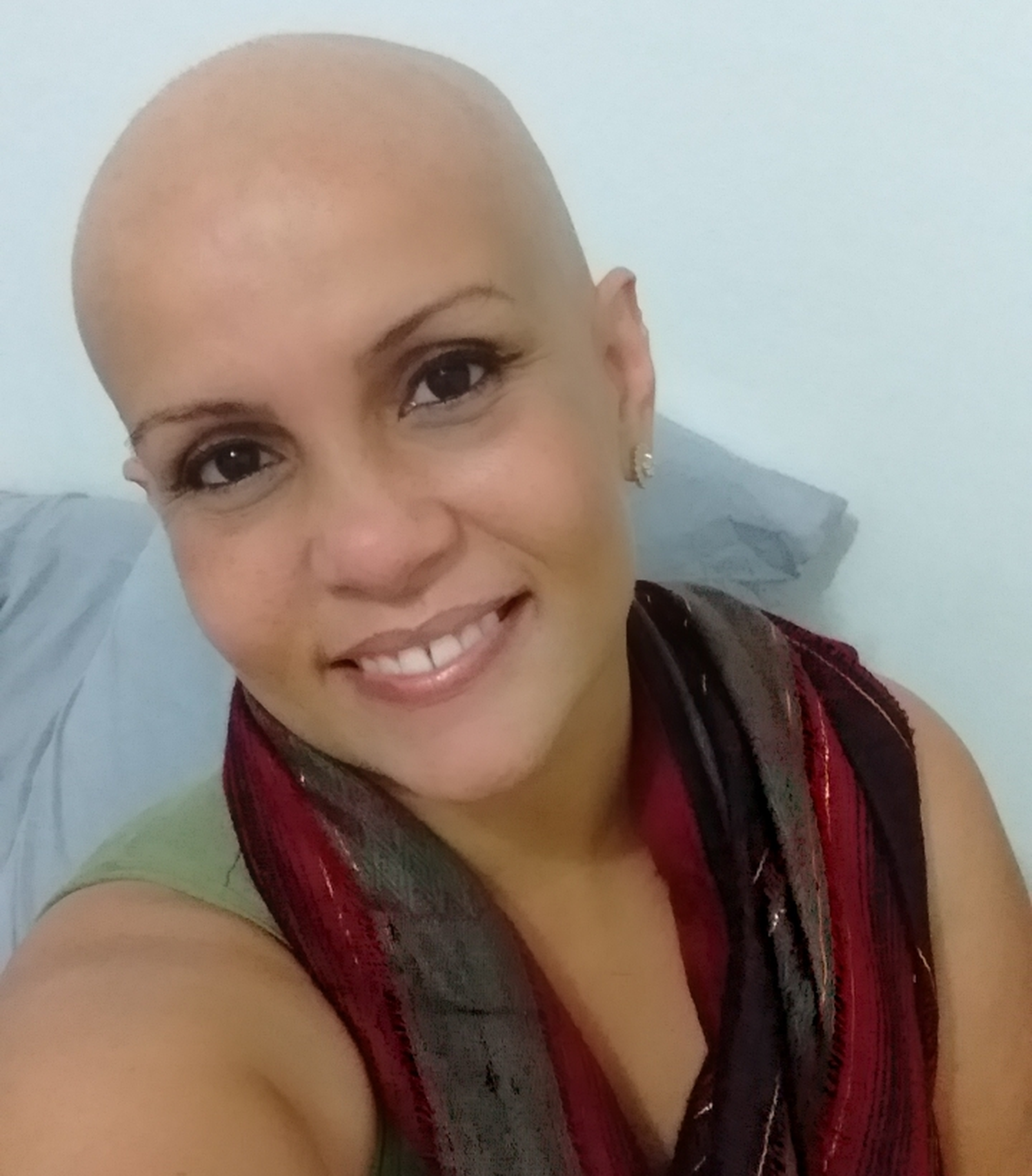 Enfermeira luta contra câncer