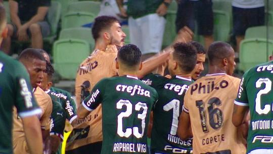 "Moisés, do Palmeiras, minimiza atrito com Gustavo Henrique, do Santos: ""Coisa de jogo"""
