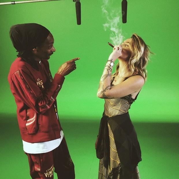 Snoop Dogg e Paris (Foto: Reprodução/Twitter)