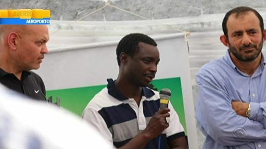 Após ataque racial em Bagé, senegalês recebe apoio da população