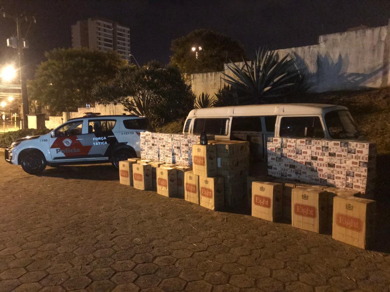 Trio é preso com quase 3 mil pacotes de cigarros contrabandeados em Botucatu