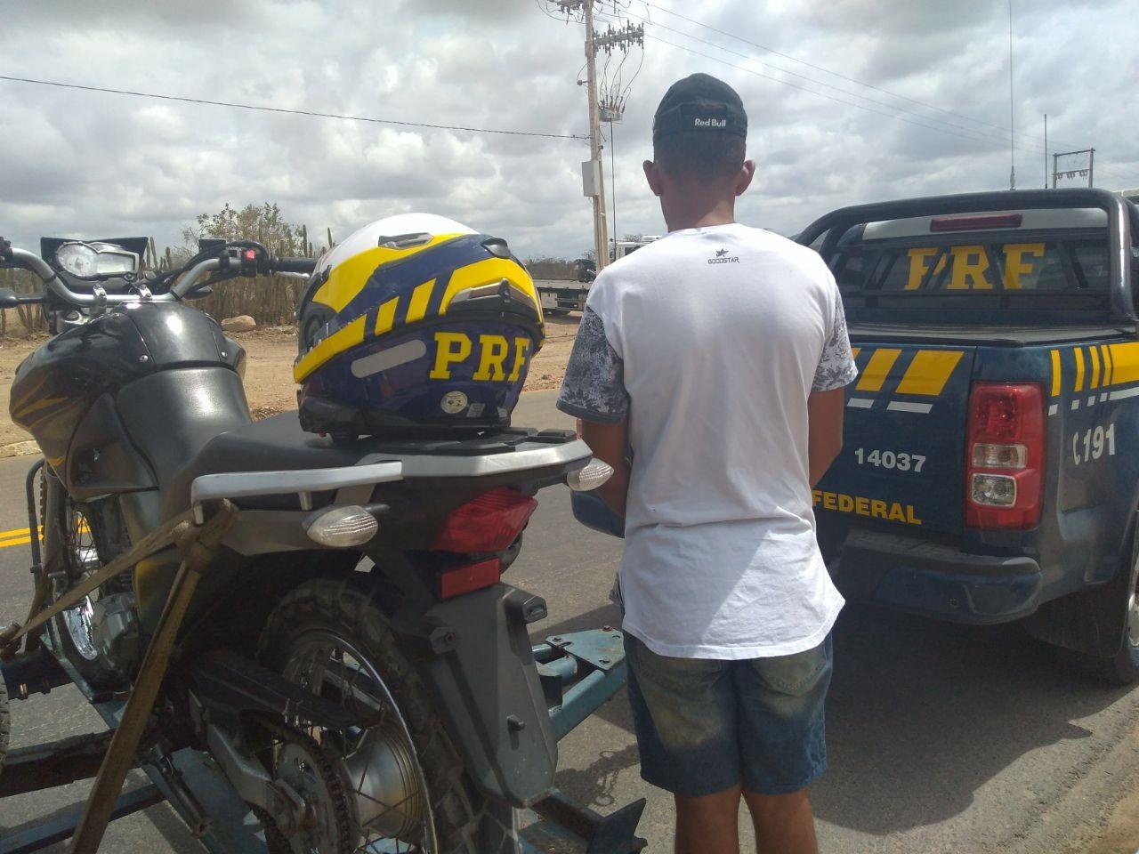 Adolescente é apreendido em Canapi, AL, pilotando moto com numeração raspada