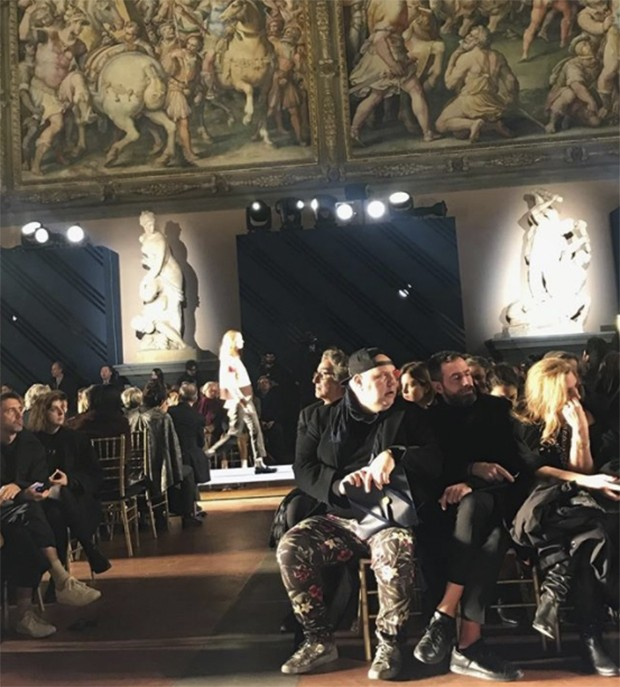 Brooks Brothers - 200 years of American style celebrated in Florence's Palazzo Vecchio under the paintings of Giorgio Vasari (Foto: @suzymenkesvogue)