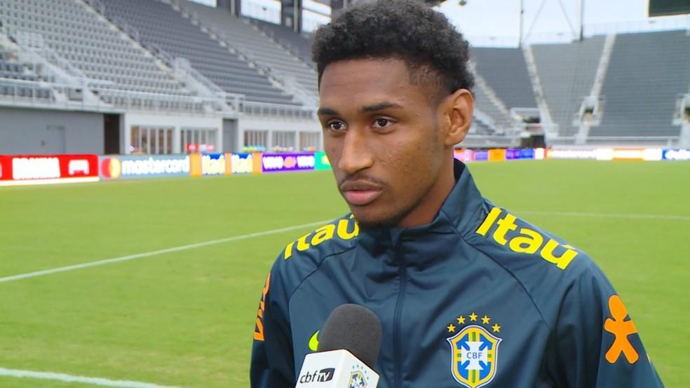 Tetê disputa o Sul-Americano sub-20 com a seleção brasileira — Foto: CBF / DVG
