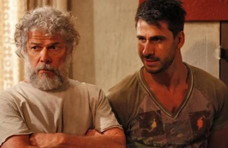 Na sexta (19), Pereirinha (José Mayer) e Enzo (Julio Rocha) vão descobrir que Teodora (Carolina Dieckmann) encontrou o tesouro do chinês Reprodução