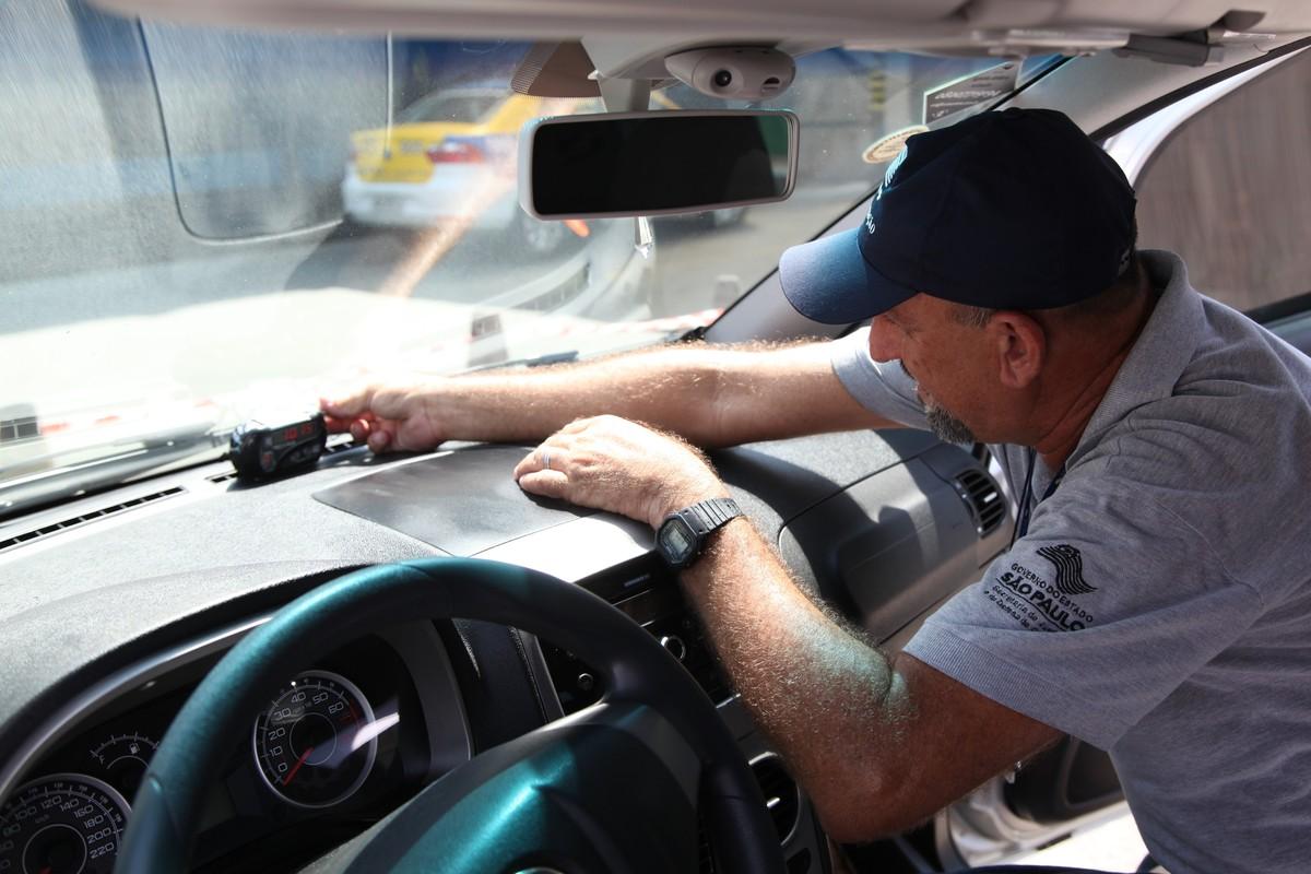 Taxistas devem fazer verificação anual do taxímetro em Rio Preto
