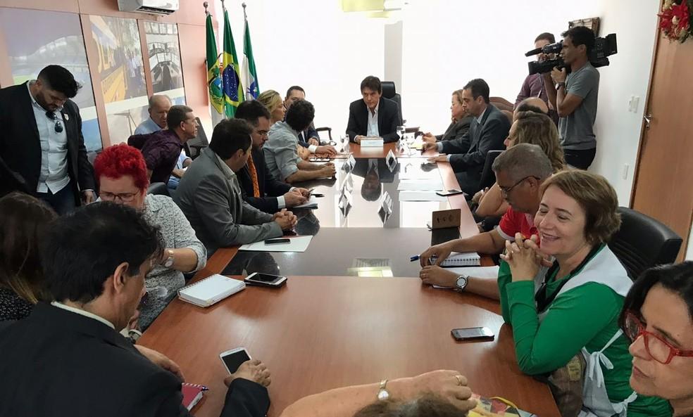 Reunião entre governo do RN e sindicatos acabou sem previsão para pagamento de salários (Foto: Kleber Teixeira/ Inter TV Cabugi)