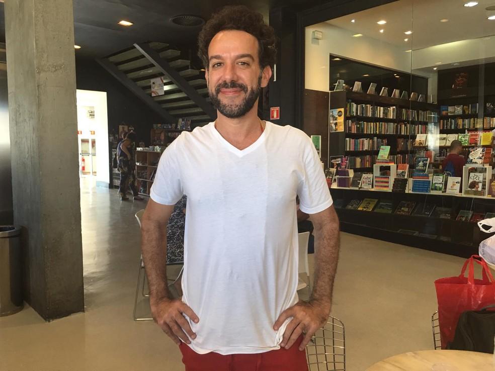 Diretor do filme Fevereiros, o carioca Márcio Debellian — Foto: Maiana Belo/G1 BA