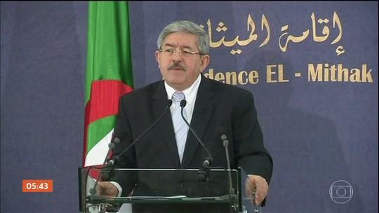 Corte da Argélia ordena que primeiro-ministro fique sob custódia por suspeita de corrupção