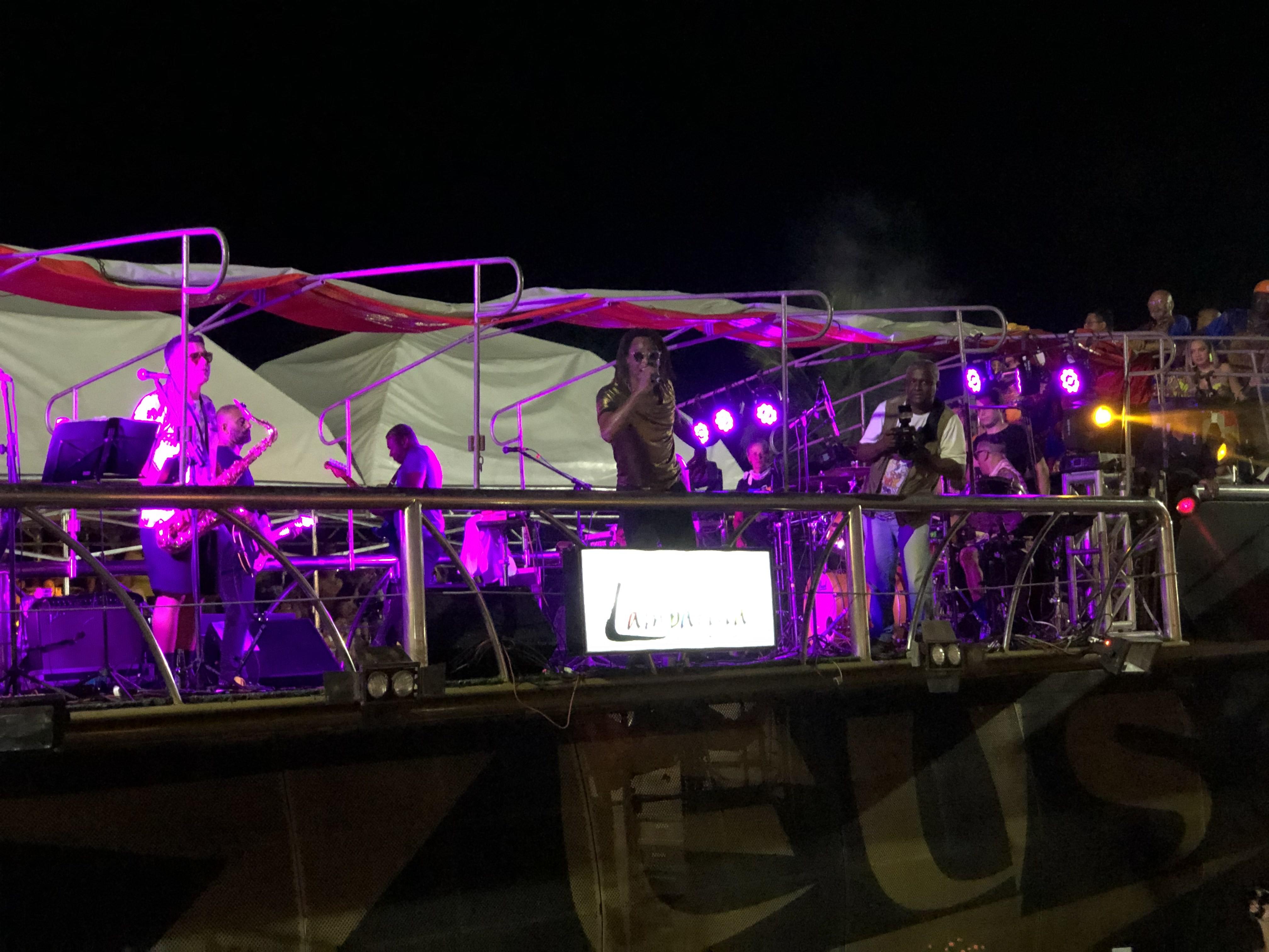 Cidade Negra encerra o segundo dia do carnaval de São Luís