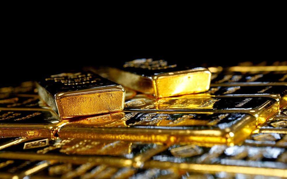 Barras de ouro em uma fábrica austríaca em Viena — Foto: Leonhard Foeger/Reuters