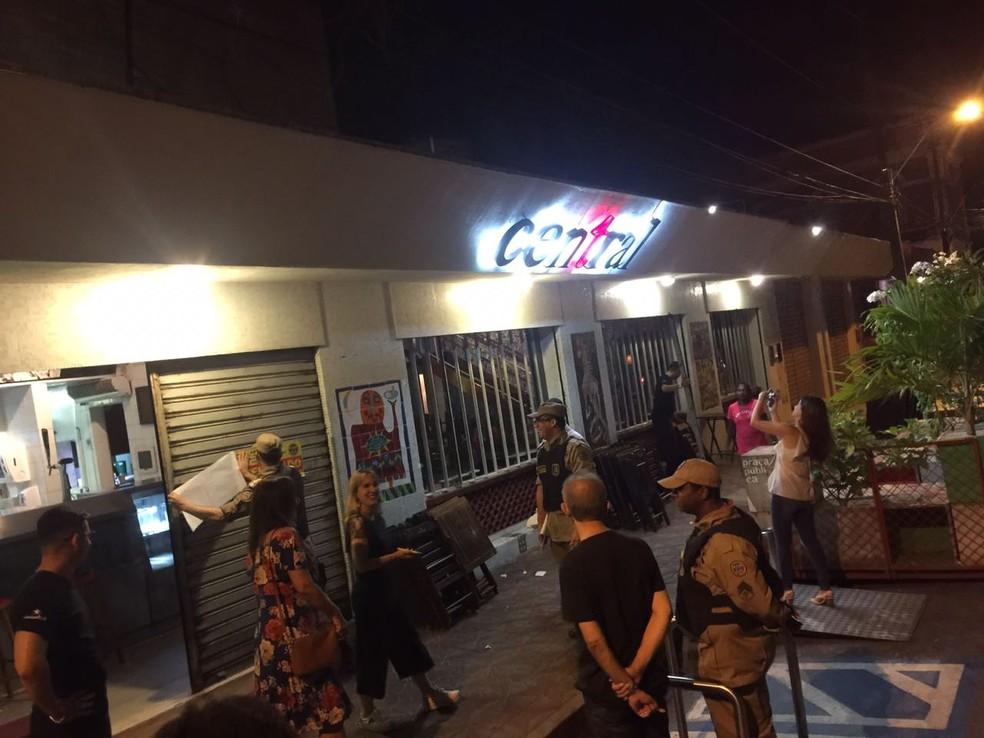 Bar Central foi um dos estabelecimentos interditados no Recife durante a operação — Foto: Corpo de Bombeiros/Divulgação