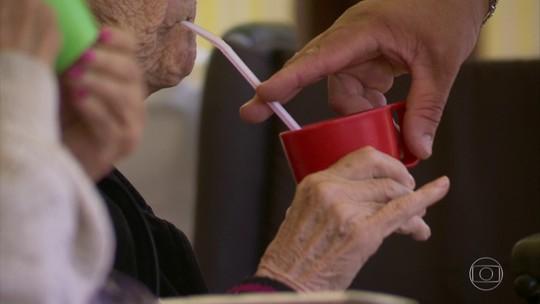 AGU pede suspensão de ações sobre adicional para aposentados que precisam de cuidadores
