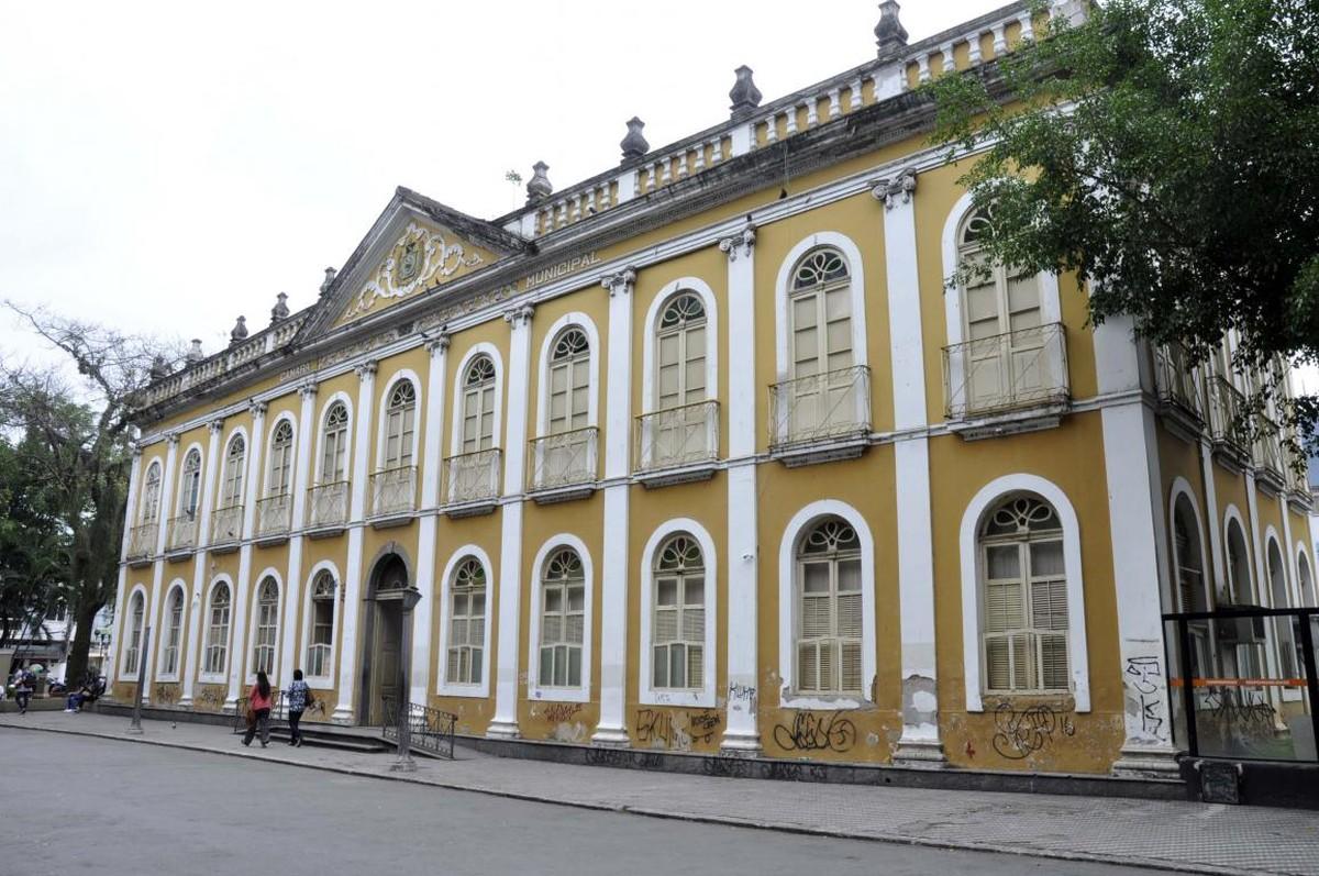 Em busca de sobrevida, bibliotecas municipais tentam atrair leitores no Sul do Rio