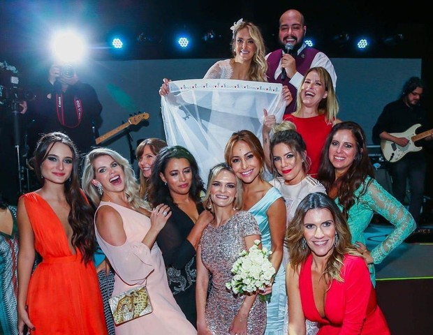 Ticiane Pinheiro relembra foto de casamento (Foto: Reprodução)