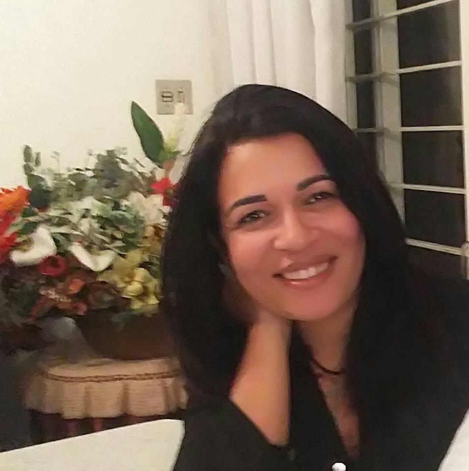 A psicóloga Mônica Santana Baptista, especialista em recuperação de dependentes químicos (Foto: Divulgação)