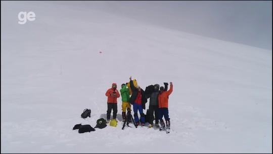 Equipe brasileira leva camisa da Seleção ao topo da montanha mais alta da Europa