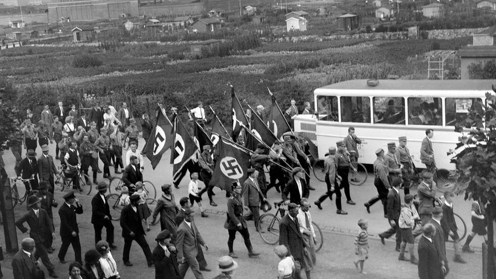 Depois da guerra, Karl Niemann, que gostava de tirar fotos, foi acusado de crimes de guerra e contra a humanidade (Foto: Derek Niemann  via BBC)