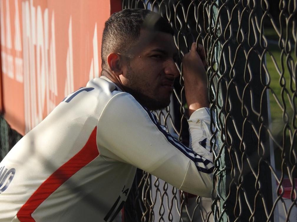 Rojas, do São Paulo, prorrogou contrato com meta de jogos para uma nova renovação automática — Foto: Marcelo Hazan