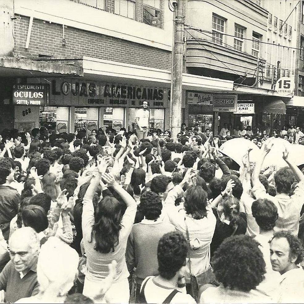 Registro de mostra movimentos sociais nas ruas durante ditadura — Foto: Memorial da República Itamar Franco/Divulgação
