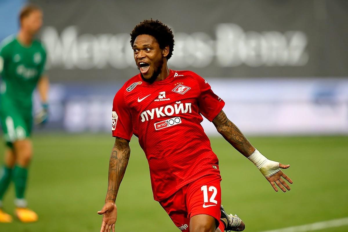 Luiz Adriano Futebol