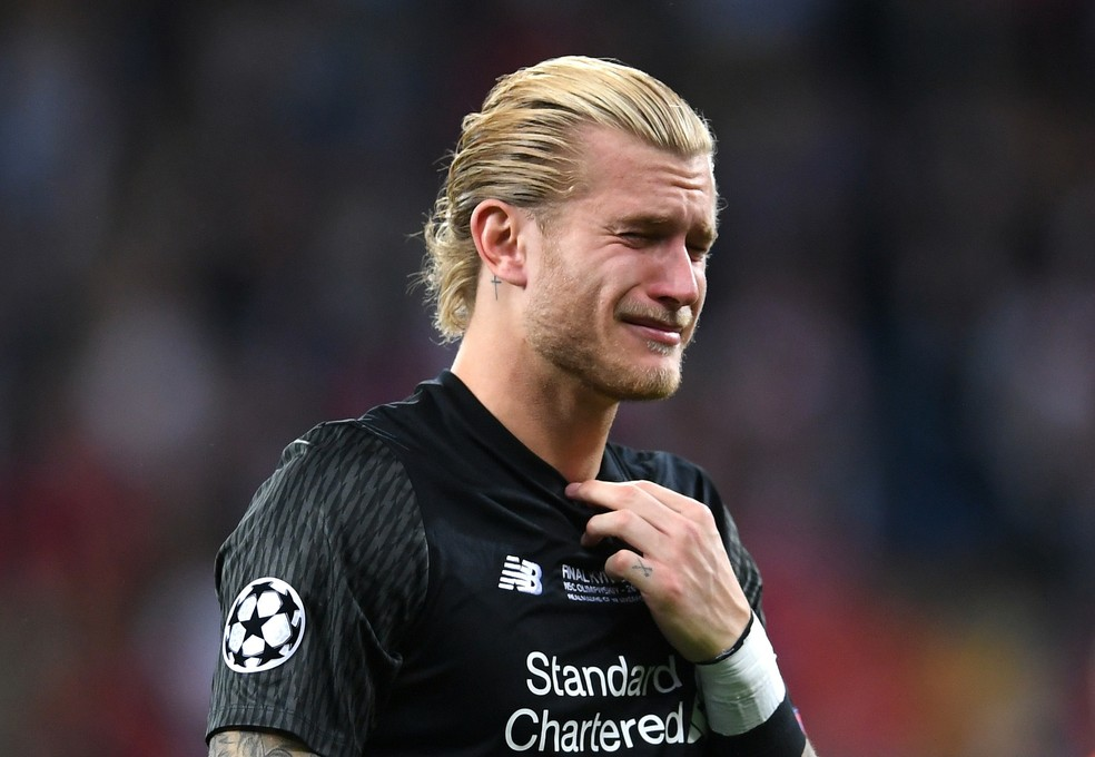 Falhas de Karius teriam motivado a busca do Liverpool por Alisson (Foto: Laurence Griffiths/Getty Images)