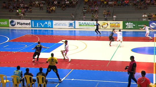Itabaiana goleia, mas Itaporanga avança para a final da Copa TV Sergipe