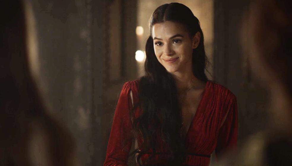 Catarina faz uma previsão para a plebeia, que soa quase como uma ameaça: 'Eu lhe desejo sorte, Amália... você vai precisar' (Foto: TV GLOBO)