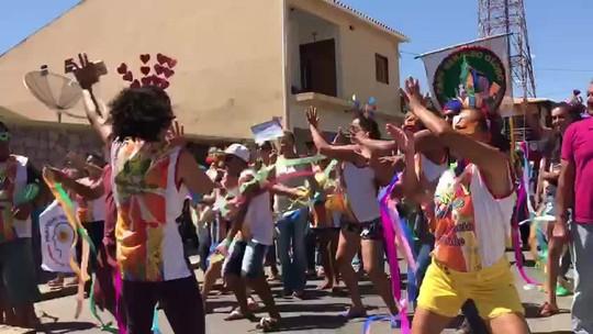 Blocos animam carnaval de pacientes psiquiátricos em Estrela de Alagoas