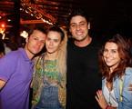 Carolina Dieckmann posa com cabelão de megahair no show do Trio Preto+1 no Jockey | Rogério Resende