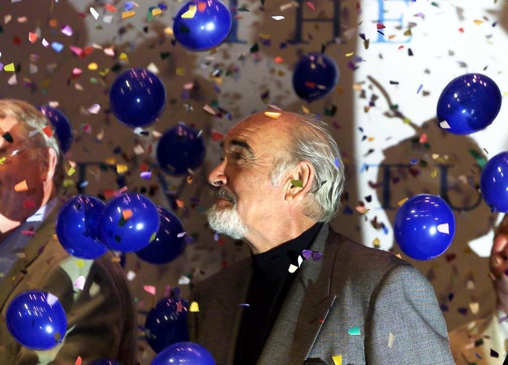 Sean Connery em 2001, na abertura de um teatro no Reino Unido — Foto: Jeff J Mitchell/Reuters
