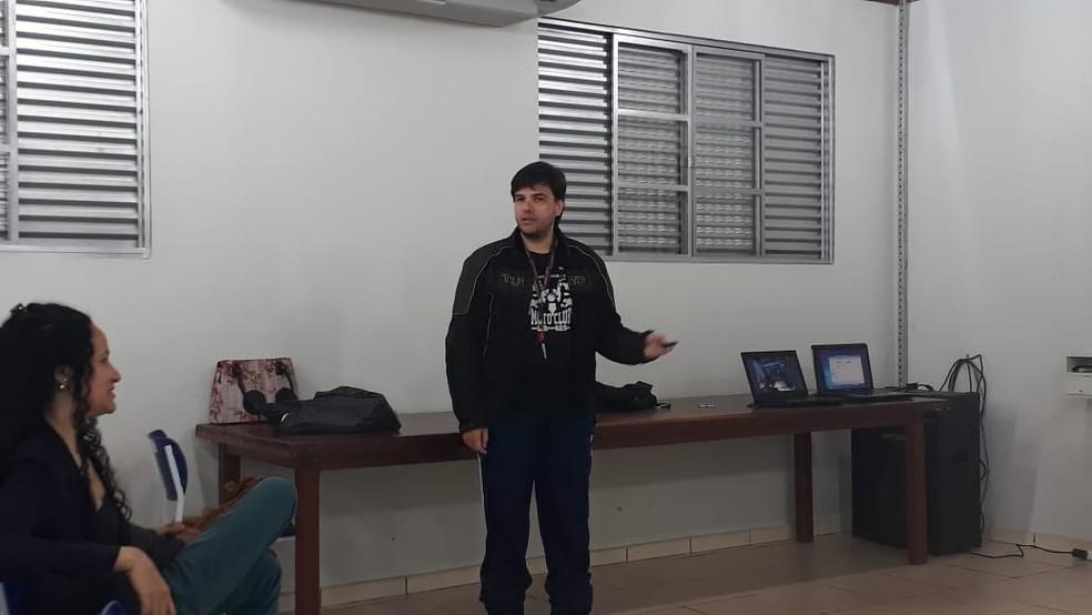 Renato dá aula de antropologia na Universidade Federal de Rondônia (Unir) — Foto: Renato Almeida / arquivo pessoal
