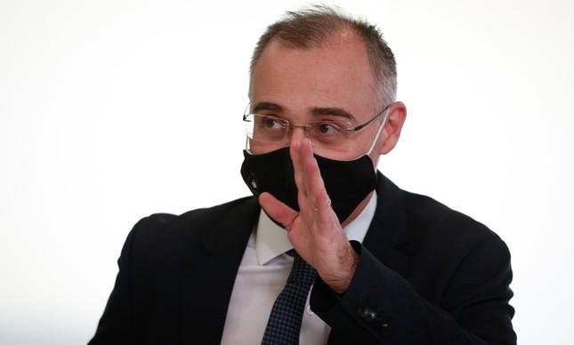 O ministro da AGU, André Mendonça, indicado por Bolsonaro para uma vaga no STF