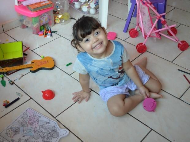 Jaqueline Cambui enfrenta a doença há quase dois anos (Foto: Magda Oliveira/G1)