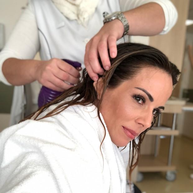Ana Furtado faz crioterapia para queda de cabelo  (Foto: Reprodução/Instagram)