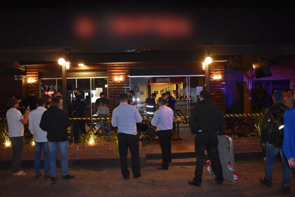 Local do atentado logo após ataque a casal em Pedro Juan Caballero, no Paraguai — Foto: ABC Color