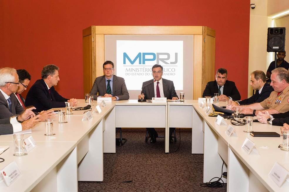 Reunião na última semana teve presença de instituições estaduais e do Ministério do Trabalho — Foto: Assessoria de imprensa Ministério Público