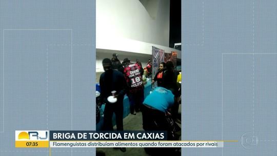 Torcedores de Flamengo e Vasco brigam durante distribuição de alimentos para moradores de rua; veja vídeo