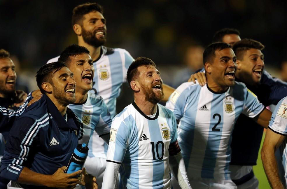 O triunfo salvador sobre o Equador  teve a assinatura do craque, que levou a Argentina à Copa (Foto: REUTERS/Edgard Garrido)