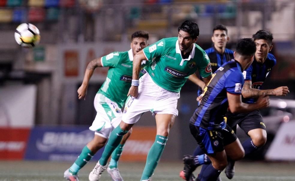 Loco começou titular, mas vem sendo reserva no Audax Italiano (Foto: Divulgação / Audax Italiano)