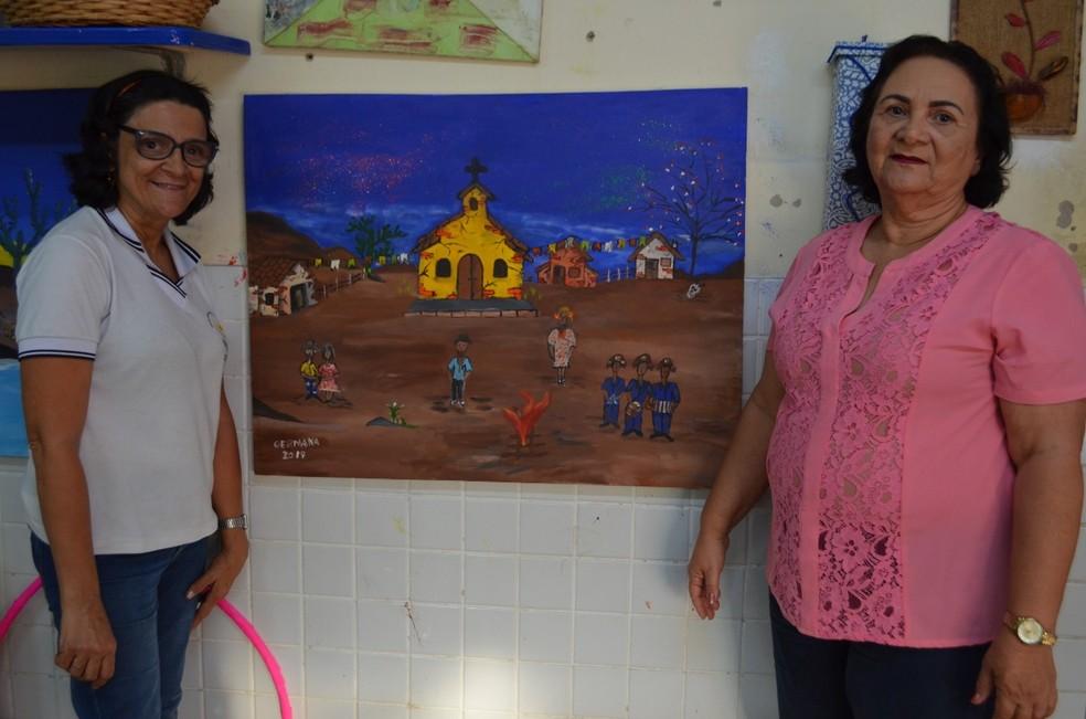 """Paraibana supera paralisia cerebral através da pintura: """"Pinto com carinho, com amor"""" — Foto: Iara Alves/G1"""