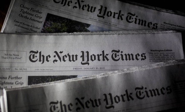 Edições do 'New York Times' (Foto: Andrew Harrer / Bloomberg)