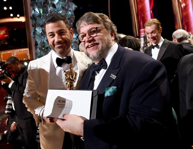 Jimmy Kimmel e Guillermo del Toro no Oscar (Foto: getty images)