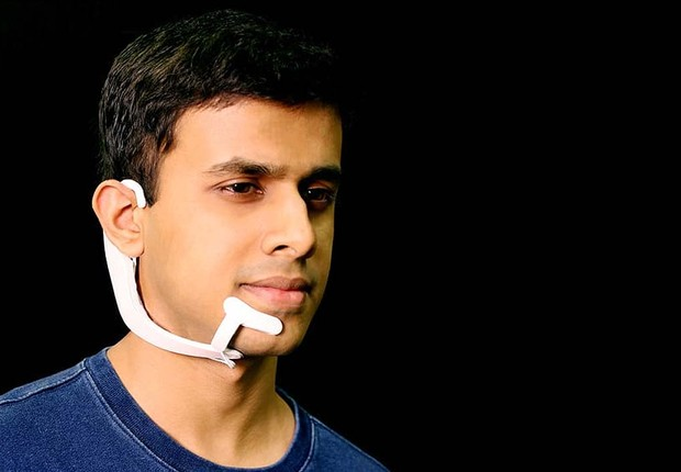 AlterEgo, dispositivo vestível criado pelo MIT para ouvir a mente (Foto: Divulgação/MIT)