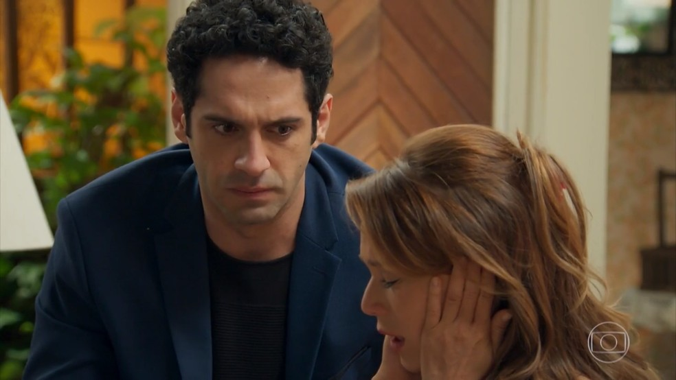 Beto (João Baldasserini) reforça a mágoa de Tancinha (Mariana Ximenes) por Apolo (Malvino Salvador) - 'Haja Coração' — Foto: Globo