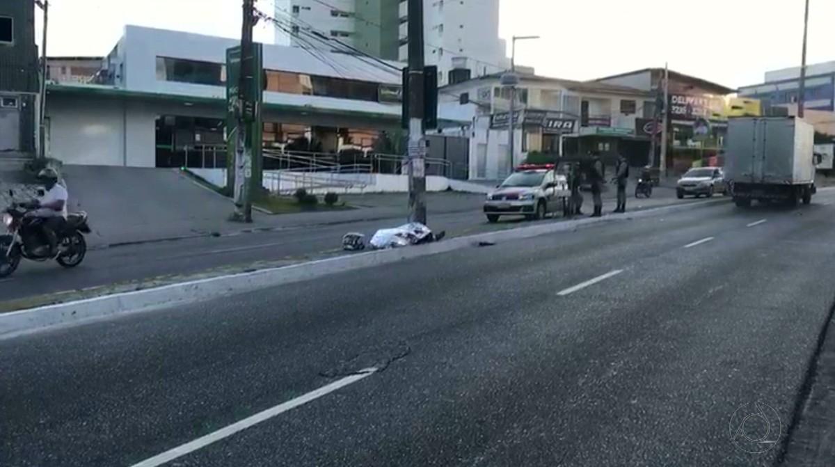 Jovem morre em acidente de moto após sair de festa em João Pessoa