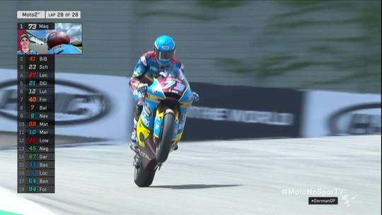 Álex Márquez vence mais uma e reassume a liderança da Moto2